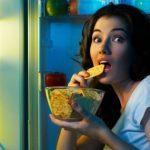 women fridge snack2