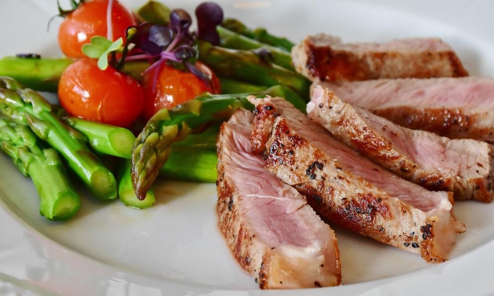 7-25 steak high protein pexels-pixabay-361184 sml crpd